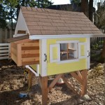 Awesome FREE Chicken Coop Plans With Photos - Chickens are great for the homesteader, or dare I say, even the weekend prepper and suburban survivalist, given the advantage of having a source of fresh eggs. It is a lot of fun to make your own chicken coop, not to mention it is a rewarding experience!