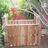 DIY Easy Pallet Compost Bin - A compost bin is a great way to create super nutrient rich soil for your garden and homestead while at the same time keeping waste material out of landfills. If you are gung-ho about recycling and being green, you can make your own DIY pallet compost bin by repurposing inexpensive shipping pallets.