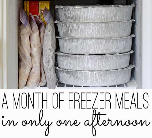 Make A Months Worth Of Freezer Meals In 4 hours For Under 200 Bucks - I know making meals on a daily basis to feed your family is hard work and just boring to those of us who do not like to or don't know how to cook. Thats why these meals are fantastic for anyone to have stockpiled in the freezer.