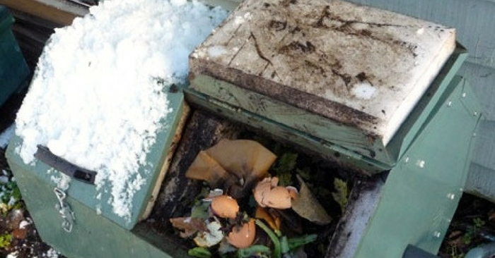 Amazing Tips for Winter Composting — Composting anytime of the can be challenging. With winter being here are you still composting? I found a great article from our friends over at eartheasy.com where they have an in depth article on tips for winter composting.