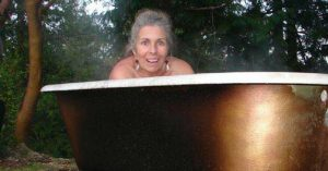 """How to Make a 'Poor Man's Hot Tub — Ok, this is just cool. This project """"How to Make a 'Poor Man's Hot Tub"""" is just right up my street. If you have the back yard to do this why not put it on your bucket list."""