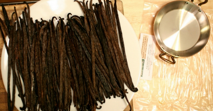 How To Make Your Own Vanilla Extract From Scratch Great For Homesteading and SHTF — Yummy vanilla... It's easy to imagine that a lot of the kitchen items we now take for granted will be scarce if SHTF and since I like to bake, it's important to me to know how to make some of my own staple ingredients so that I'm not left in a lurch.