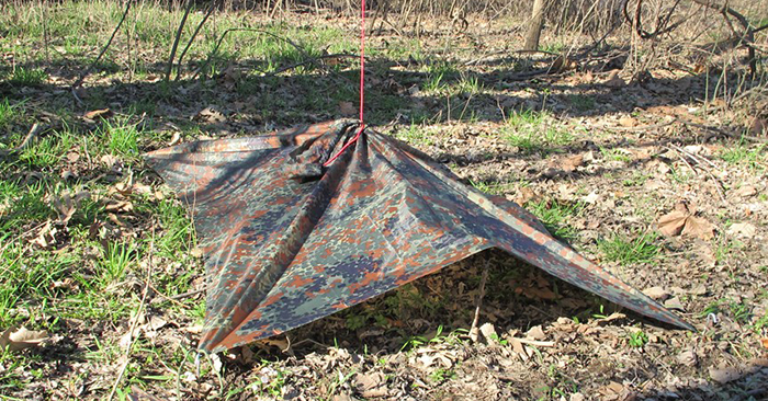 Camouflaging Bug Out Shelter : Military poncho survival shelter configurations