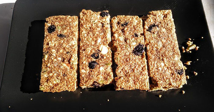 "How To Make Your Own Homemade Survival Bars - These bars are extremely easy to make. They are cheap and can last for years. This is what foodstorageandsurvival.com said ""This bread will keep indefinitely and each loaf is the daily nutrients for one adult (approx 2000 calories)""."