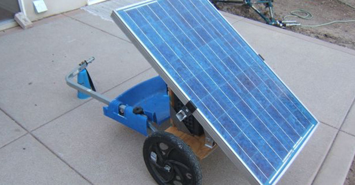 DIY Portable Solar Generator - Solar power for a SHTF situation is going to beessential.Spend a little on materials (no where near as much as the solar companies charge) and you could be saving money and living more self reliant in no time.
