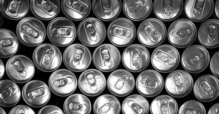18 Amazing Off-Grid Uses for Used Tin Cans - Almost everyone has at least one tin can somewhere in their home. Most preppers have lots of them, but even non-preppers are bound to have a can of beans or something. Because of this, you shouldn't have much trouble finding a tin can after the SHTF