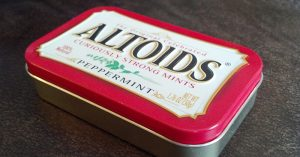 22 New & Awesome Ways to Reuse an Altoids Tin - There is also the satisfaction that comes from reusing an ordinary object for something else entirely, saving money and recycling to boot. I made a small survival kit that I still carry around with me on a daily basis.