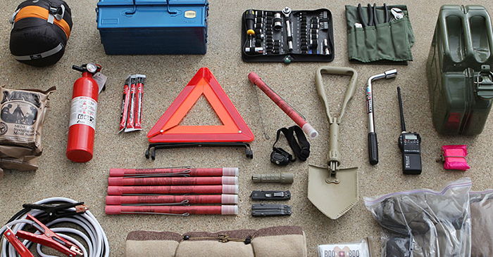 Build Your Vehicle Survival Kit for On-The-Road Emergencies - As the cold season is quickly approaching, we will see on the news how a lot of people get trapped in their cars due to blizzards or similar emergencies. Just like last year and the year before, many people will be caught unprepared as they fail to build a vehicle survival kit.