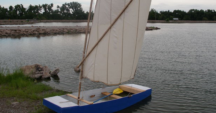 How to Construct A Simple Boat - This tutorial is easy to understand, andwithout fiberglass or epoxy this can be a cheap project to build.