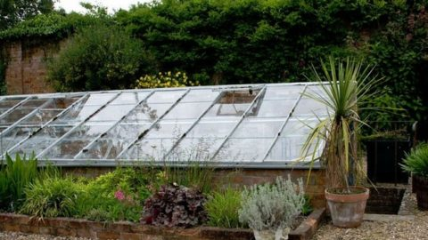 Building Your Own Underground Greenhouse
