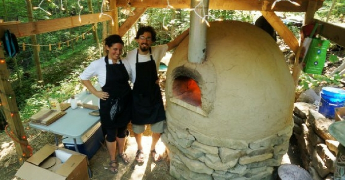 How to Build a Better Outdoor Pizza Oven — If you're living off the grid, or just enjoy a fire oven baked foods, an outdoor pizza oven is a fantastic way to quickly cook food while using no electricity. Of course you can make pizza, bread, and other baked goods, and you can also use it as a grill for meats or operate it at a lower temperature for baking casserole-type dishes. The trouble is that it can be very expensive to have an outdoor oven installed.