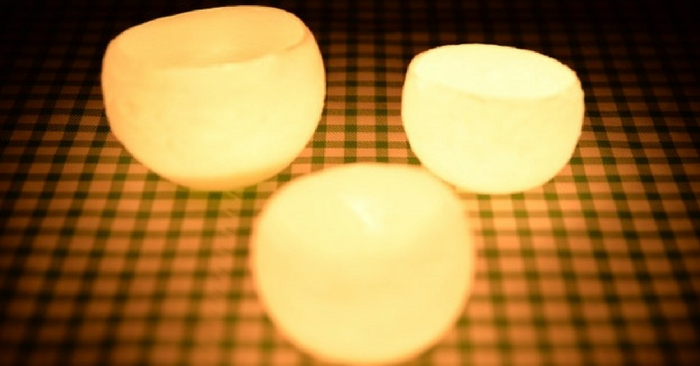 Brighten Up Your Home Making DIY Luminaries Using Water Balloons — Ambient light is nice and cozy, not to mention pretty resourceful in a time of need. In the event that you're in an emergency situation where you don't have power, lanterns and candles are handy but they both either burn out or require fuel.