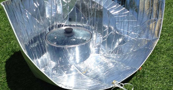 Simple Solar DIY: Building a Fresnel Solar Cooker — Solar is one of the best ways to cook if you lose power due to a storm, emergency, or even if the grid goes down. Even in the winter time!
