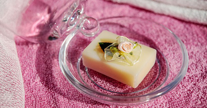 Tutorial: How I Make Coconut Oil Kitchen Soap From Scratch - This is a pretty simple mix but it offers a better solution to your soaping needs. It also gives you another reason to start storing coconut oil as part of your food storage