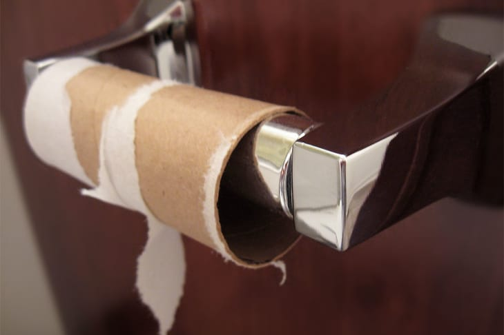 It happens. You sit on the toilet, do your business, and realize you're out of toilet paper. Fortunately there are several toilet paper alternatives