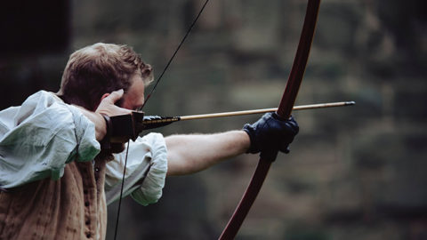 Between a Compound Bow and Recurve Bow Which is the Best for Survival?