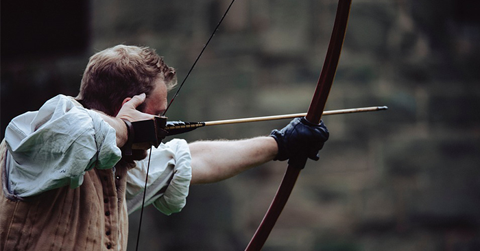 Between a Compound Bow and Recurve Bow Which is the Best for Survival? - Many people have their opinions when it comes these two. However, they lack the evidence to back their choice.