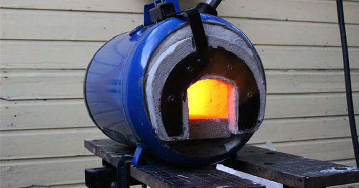 How to Make a Propane Forge - There is really no limit to the things you can make with a working forge. With the right tools this creation seems pretty easy to make.