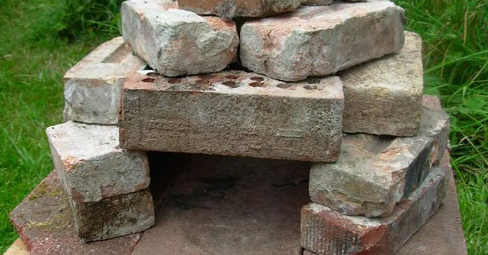 Stone Oven -How to Build / Use Primitive Cooking Technology - This article is all about creating a stone oven outside. Not sure if this idea is primitive or complicated. I love how the article has pictures taken by a river and shows the writer using rocks from the area to build the oven.