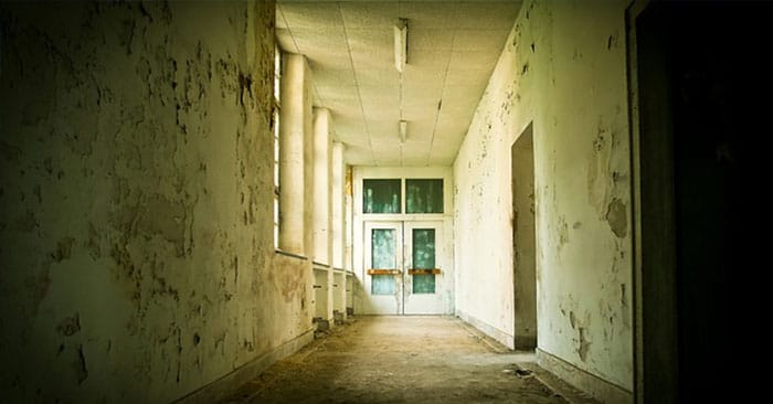 Urban Survival: 10 Worst Places To Hide In The City If SHTF