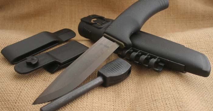 7 Best Affordable Tactical Knives On The Market Today – 2018 - That doesn't mean that you shouldn't have a knife on your person to serve as a self defense tool. Knives can be a game changer in a serious physical altercation. If your attacker is unaware of the knife they can be rendered helpless or worse in a hurry with the right point of contact.