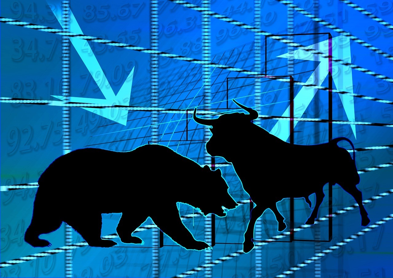 Financial Collapse Tips for the Coming Crisis - While on part of the economy is thriving it would seem that another is on the brink of collapse. All signs are pointed to a fall that will make the 2008 collapse look pretty tame. It would appear that before our very eyes the markets are breaking down.