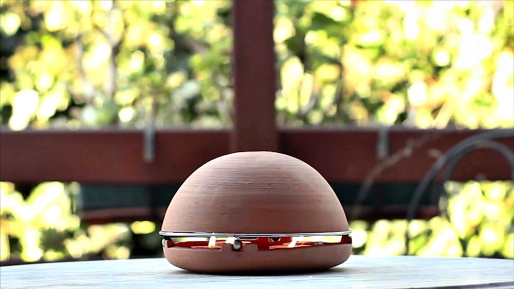 The Egloo Space Heater presents a few unique opportunities. One of those is the ability to warm a small area using some simple wooden wicks and radiant heat