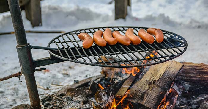 For many outdoorsmen the fun and the enjoyment of camping comes to an end when the cold weather really sets in.