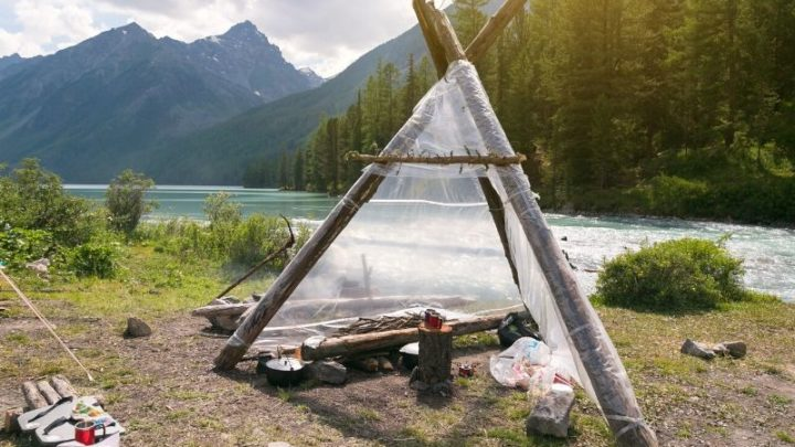 How to Build a Safe Emergency Wilderness Shelter